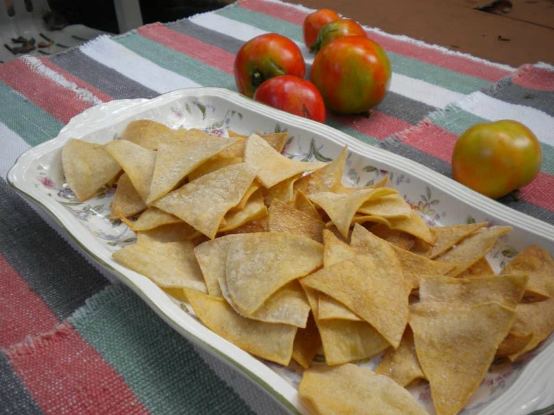 tortilla chips with tomatoes