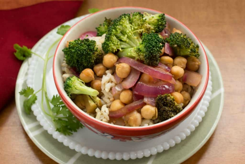 Broccoli Chickpea and Red Onion Stir-Fry, East Meets West Stir-Fry 1200-6959