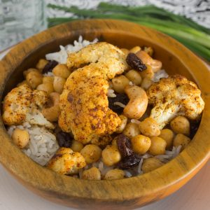 Roasted Indian Cauliflower with Chickpeas, Cashews and Raisins hi res-1704
