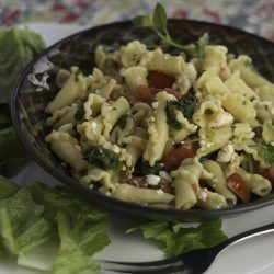 Ruffled Noodles with Spinach, Feta and Tomatoes --2