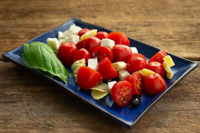 Tomato Artichoke and Mozzarella Salad