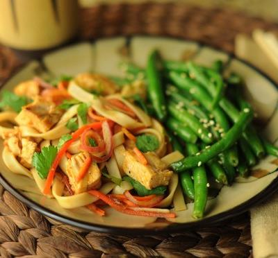 Chinese Barbecue Noodles with Carrots and Onions