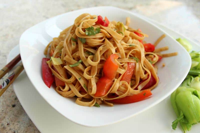 Chinese-Style Lo Mein with Vegetables
