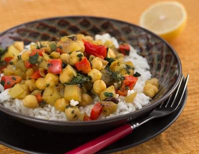 Indian Chickpeas with Spinach and Potatoes