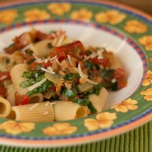 Rigatoni with Tomatoes and Tapenade