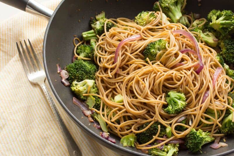 Spicy Sriracha Spaghetti with Broccoli