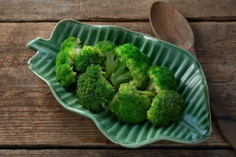 Sesame Stir-Fried Broccoli