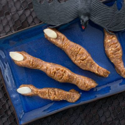 Mummy Fingers (Cashew-Date Power Bars)